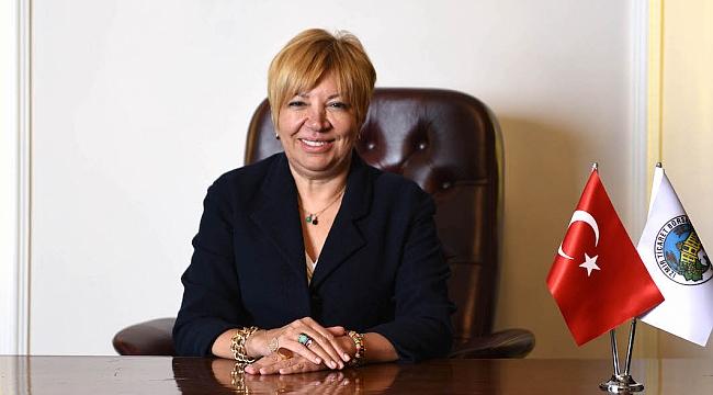 İzmir Ticaret Borsası Başkanı Işınsu Kestelli, 'Susamam' Şarkısını Analiz Etti