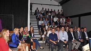 İzmir'de Bilgi ve İletişim Teknolojilerinin Geleceği Tartışıldı