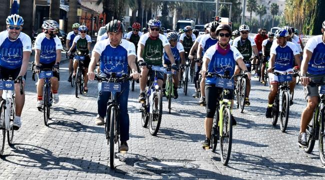İzmirliler Dünya Mirası Yolunda Pedal Çevirdi