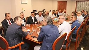 Kaymakam Ercan Öter, Torbalı'daki Firmalar İle Bir Araya Geldi