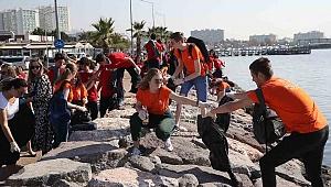 Türk ve Hollandalı Öğrencilerden Çevre Temizliği