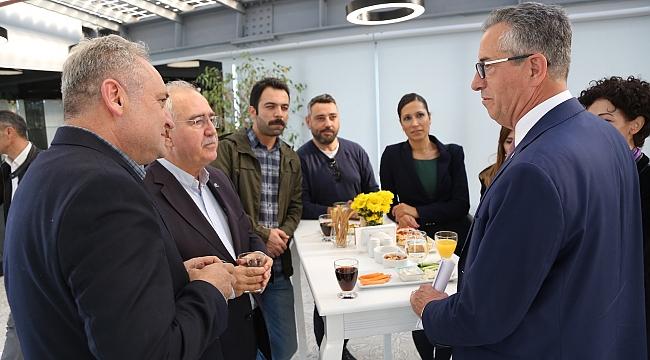 Gaziemir Belediyesi'nden İş Dünyası İle Bağlarını Güçlendirme Hamlesi