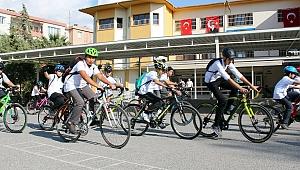 İzmirli Çocuklar Okula Bisiklet ile Gitmeye Başladı
