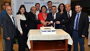 Ekonomi Muhabirleri Derneği İzmir Şubesi 30. Yılını Kutladı