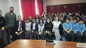 İzmir'de Çocuk İşçiliği ve Çocuk Hakları Konferansı