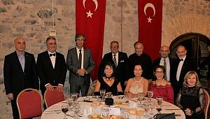 İzmir Mülkiyeliler'de 160. Yıl Coşkusu