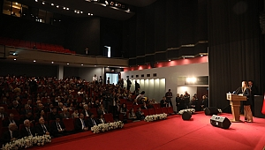 İzmir Üniversiteleri Türkiye'nin Teknolojik Gelişimini Konuştu
