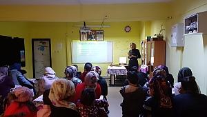 Bornova Rotaract Kulübü'nden Velilere Aile İçi İletişim Eğitimi