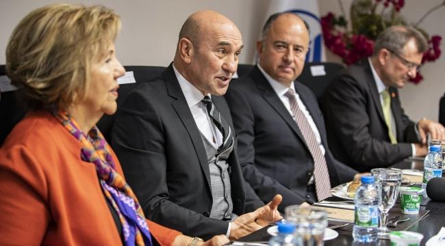 İzmir İyi Tanıtılmadığı İçin Ekonomisi Gelişmiyor