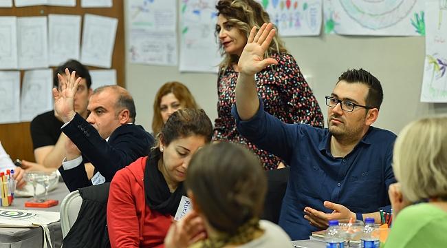 ÖRAV, İzmir'de Eğitimciler İle Buluştu