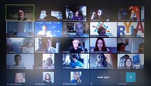 Liderlik Eğitimi Çevrimiçi Seminerlere Taşındı