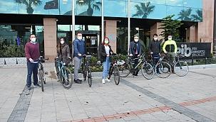 İzmir'de Bisikletli Ulaşımı Tercih Edenler Artıyor