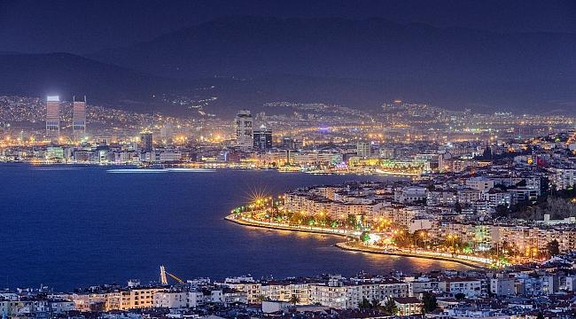 Ekonomist Prof Yılmaz, 'İzmir'de Konut Satışların Gayrimenkul PR Yöntemiyle Artırılabilir'