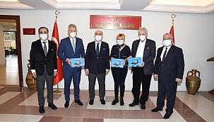 İzmir İş Dünyası Bu Kez Öğrenciler İçin Kenetlendi