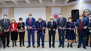 İzmir'de Hücre İşleme Merkezi Hizmete Açıldı