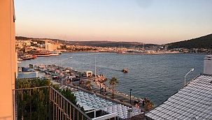 Çeşme'de deniz manzaralı 1 yıllık kiralık 2+1 rezidans