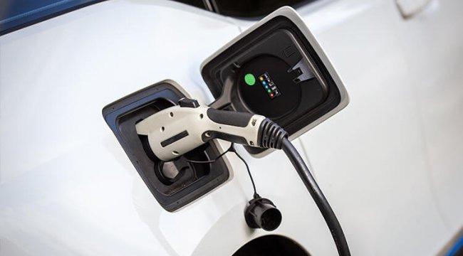 Elektrikli araçlar satış rekoru kırdı