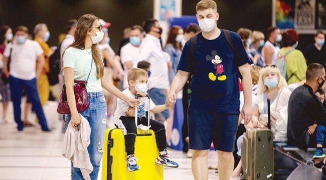 Rus tatilciler uçuş kısıtlamalarına tepkili